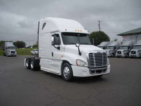 2014 & 2015 Freightliner Cascadia for sale in Lavergne, TX