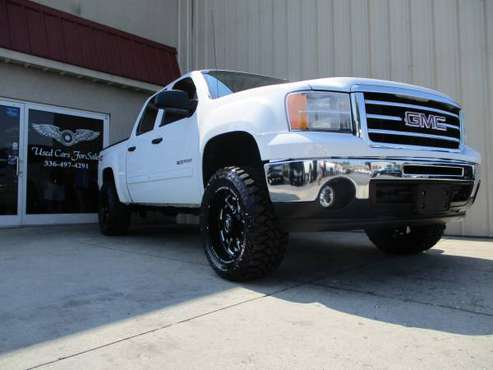 LIFTED 2013 GMC SIERRA 1500 4X4 CREWCAB NEW 33X12.50'S *124,343 MILE$* for sale in KERNERSVILLE, SC