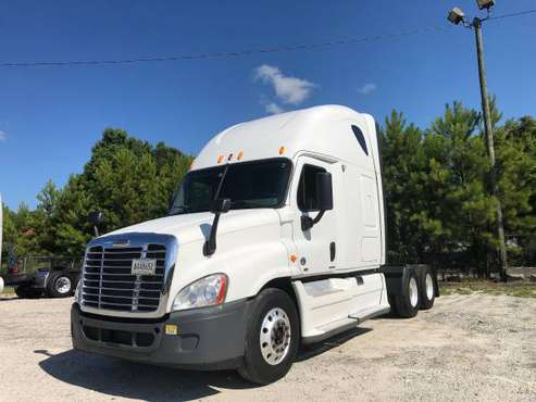 Semi Truck / Tractor for sale in Jonesboro, GA