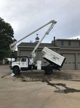 2001 International 4700 Forestry Bucket Truck 60' WH for sale in Lexington, MA