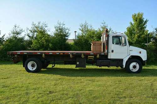 2003 Freightliner FL70 21ft Flatbed for sale in Grand Rapids, MI