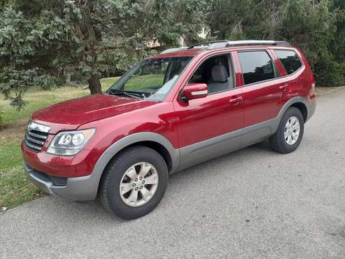 2009 KIA BORREGO LX SUV THREE ROW SEATING for sale in West Warwick, RI