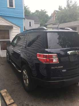 2008 Saturn Outlook for sale in Rochester , NY