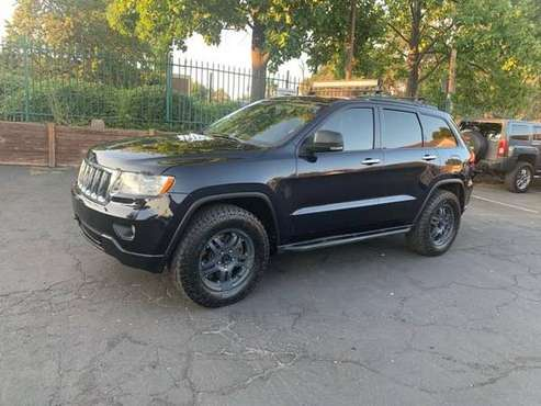 2011 Jeep Grand Cherokee Overland Summit*4X4*Fully Loaded*Tow Package* for sale in Fair Oaks, CA
