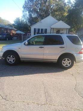 Mercedes SUV 2001 ML 320 for sale in Louisville, KY
