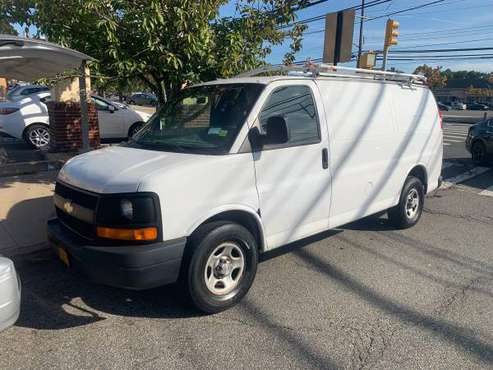 2006 Chevy express 2500 runs new ice cold ac 163k miles for sale in STATEN ISLAND, NY