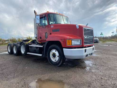 For Sale 1999 Mack CH600 / 3 Axles / Heavy Duty Truck for sale in Zion, IL