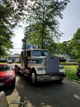 1984 Freightliner FLC 120 for sale in Swansea, MA