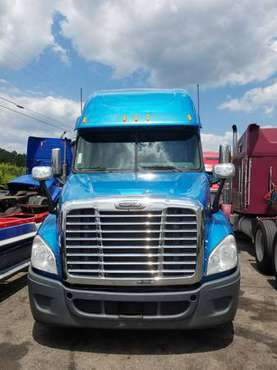 2011 FREIGHTLINER CASCADIA & REEFER FOR SALE for sale in Conyers, GA