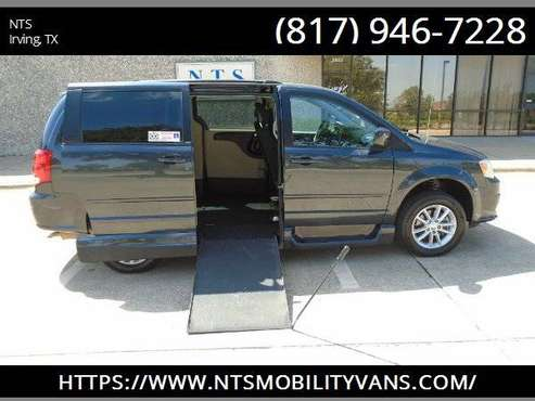14 DODGE GRAND CARAVAN MANUAL RAMP MOBILITY HANDICAPPED WHEELCHAIR VAN for sale in irving, TX