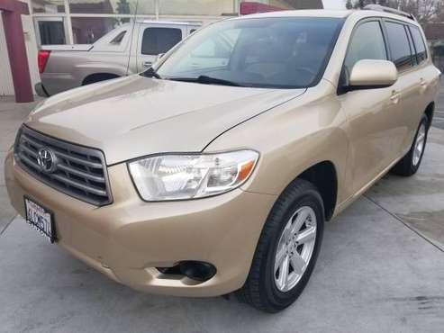 ///2008 Toyota Highlander//3rd-Row Seat//Runs Great, Priced Better/// for sale in Marysville, CA