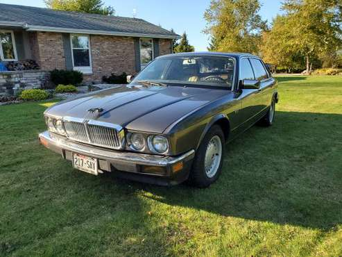 1988 jaguar xj $4000 for sale in Fond Du Lac, WI