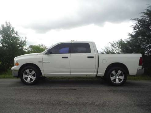 **2009 DODGE RAM 1500 with HEMI** - cars & trucks - by dealer -... for sale in Greenbrier, TN