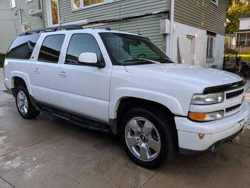 2004 z71 Suburban for sale in Marion, IA