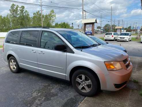 2009 Dodge Grand Caravan Se Low MILES - cars & trucks - by dealer -... for sale in Brookpark, OH