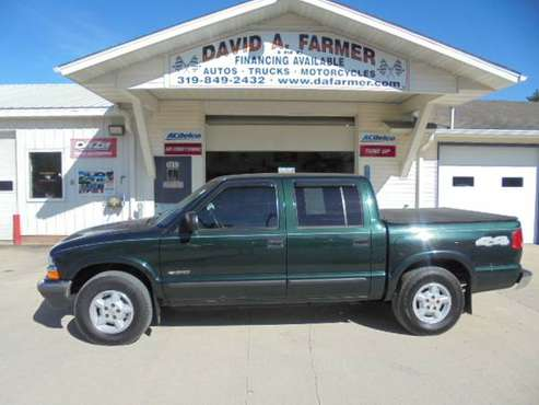 2002 Chevy S10 LS Crew Cab 4X4**New Tires/Sharp**{www.dafarmer.com} for sale in CENTER POINT, IA
