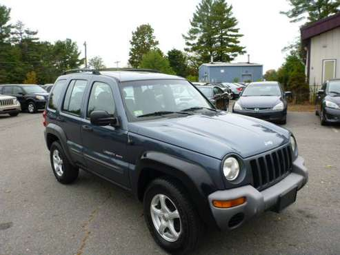 2002 JEEP LIBERTY 4X4 AUTOMATIC LOW MILEAGE RUNS AND DRIVES GOOD for sale in Milford, ME