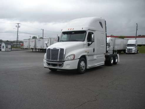 2014 & 2015 Freightliner Cascadia for sale in Lavergne, IN