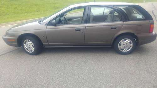 1998 Saturn wagon with 030577 original miles only for sale in Richmond , VA