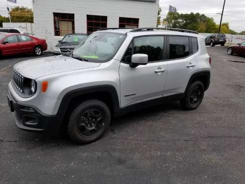 2015 Jeep Renegade Latitude 4WD HARD TO FIND 6SPD ONLY 46K MILES for sale in South Saint Paul, MN