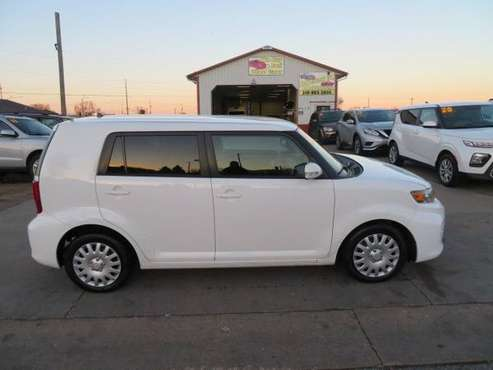 2012 Scion XB... 205,000 Miles... $2,800 - cars & trucks - by dealer... for sale in Waterloo, IA