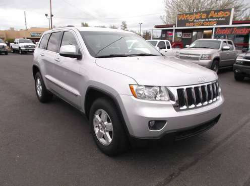 2011 JEEP GRAND CHEROKEE LAREDO (((CLEAN))) for sale in Medford, OR