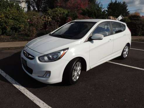 2012 Hyundai Accent SE Clean Title-Low Millage- 2nd Owner for sale in Sublimity, OR