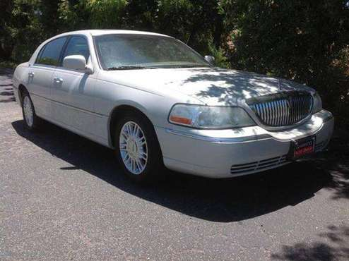 2007 Lincoln Town Car Signature Limited 4dr Sedan Fast Easy Credit App for sale in Atascadero, CA