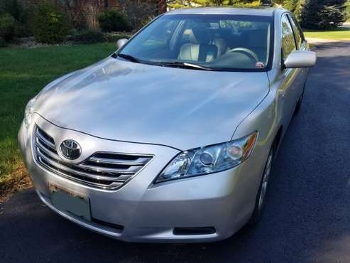 2009 Toyota Camry Hybrid 58k for sale in Wisconsin dells, WI