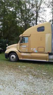 2006 Freightliner Columbia Detroit 14 liter 10 spd for sale in Williamsburg, KY