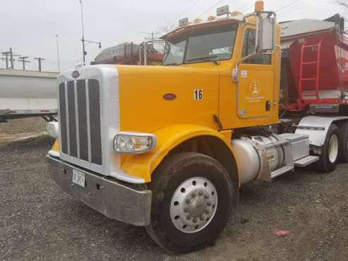 2010 Peterbilt 388. Low miles! for sale in Chicago, IL