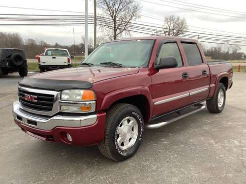 Tough! 2005 GMC Sierra 1500! Z71 4x4! Crew Cab! Finance Now! - cars... for sale in Ortonville, MI