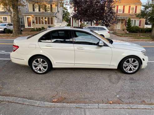 2009 Mercedes c300 4 matic AWD for sale in Floral Park, NY