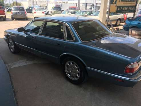 1999 Jaguar XJ8 (69,421 Miles) $3,500 for sale in Springfield, MO