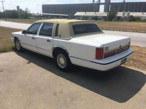 '97 Lincoln Town Car for sale in Saginaw, TX