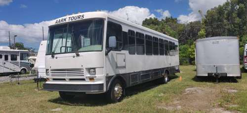 2001 Goshen Coach bus for sale in Holiday, FL