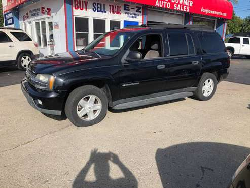 2003 CHEV TRAILBLAZER -3 RD ROW -DVD/TV LADY OWNED AC LOADED MUST GO for sale in Anderson, IN