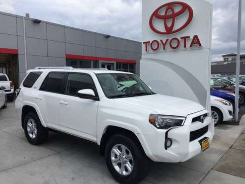 New 2019 Toyota 4RUNNER SR5 (THIRD ROW SEATING) 4X4 V6 4.0L (WHITE) for sale in Burlingame, CA