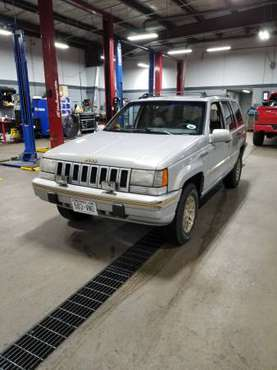 1994 Jeep Grand Cherokee v8 4x4 for sale in Madison, WI