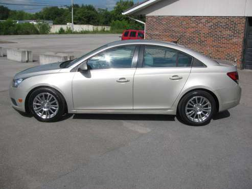 2013 CHEVY CRUZE ECO...4CYL 6SPD MANAUL..ENJOY 4O+ MPG!!!! for sale in Knoxville, TN
