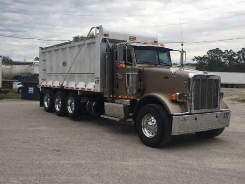 2012 Peterbilt 367 Dump truck for sale in Spring Hill, FL