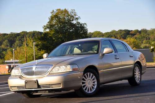 2004 Lincoln Town Car Signature 82K Drives Excellent PA Inspected for sale in Feasterville Trevose, PA