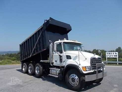 MACK TRI AXLE DUMP TRUCK for sale in Lancaster, PA