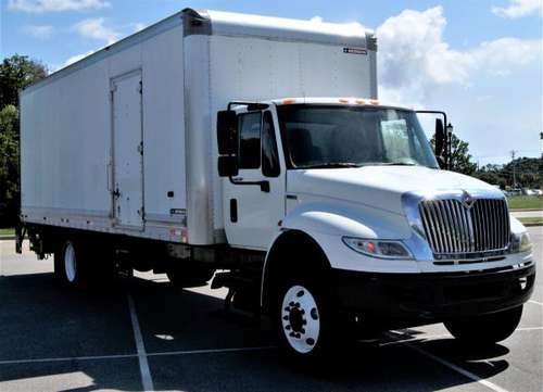 2012 International 4300 26ft Box Truck DT466 A/T Side Door Air Ride for sale in Emerald Isle, FL