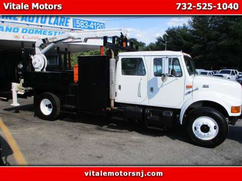2000 International 4700 DT 4700 CRANE TRUCK CREW CAB for sale in south amboy, NJ