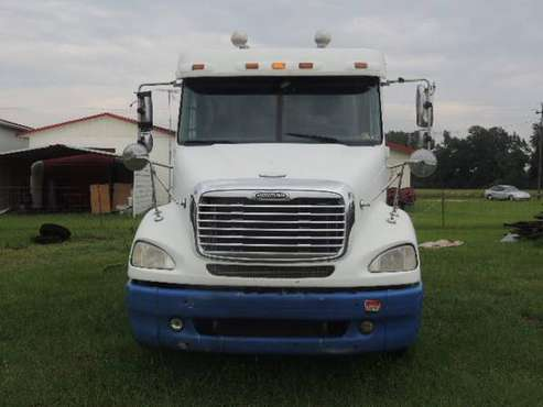2005 Freightliner Columbia 112 price reduced for sale in Lake Butler, FL