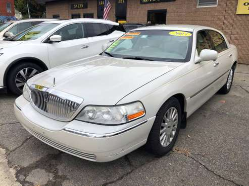 2005 Lincoln Town Car for sale in Worcester, MA