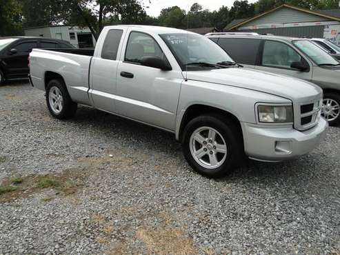 08 Dodge Dakota Xtended Cab Must see! Low miles! - cars & trucks -... for sale in Maryille, TN