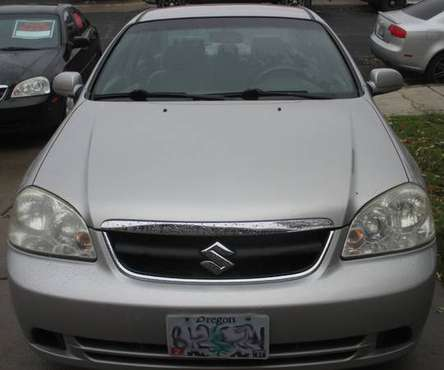 ~ * ~ 2007 Suzuki Forenza, LOW miles! ~ * ~ for sale in Redmond, OR