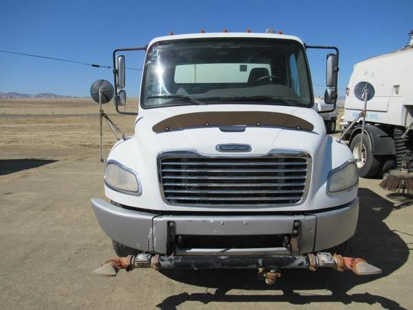 2007 Freightliner M2 Business Class Water Truck for sale in Coalinga, CA – photo 8